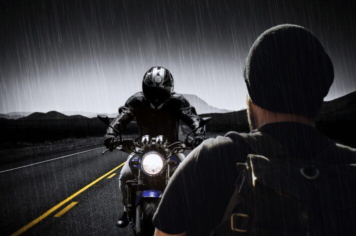 Ce qu'il faut savoir pour bien conduire à moto sous la pluie